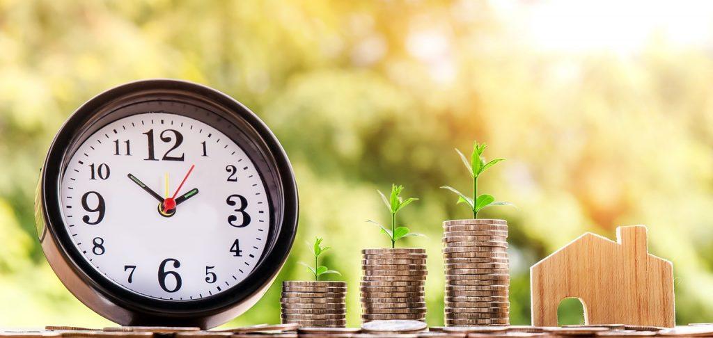 Money Home Coin Investment  - nattanan23 / Pixabay