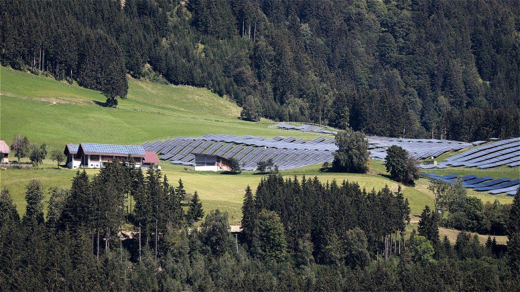 Solar Energy Photovoltaic  - WFranz / Pixabay