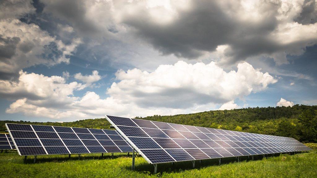 Solar Panel Solar Power Solar Farm  - Zsuzska321 / Pixabay