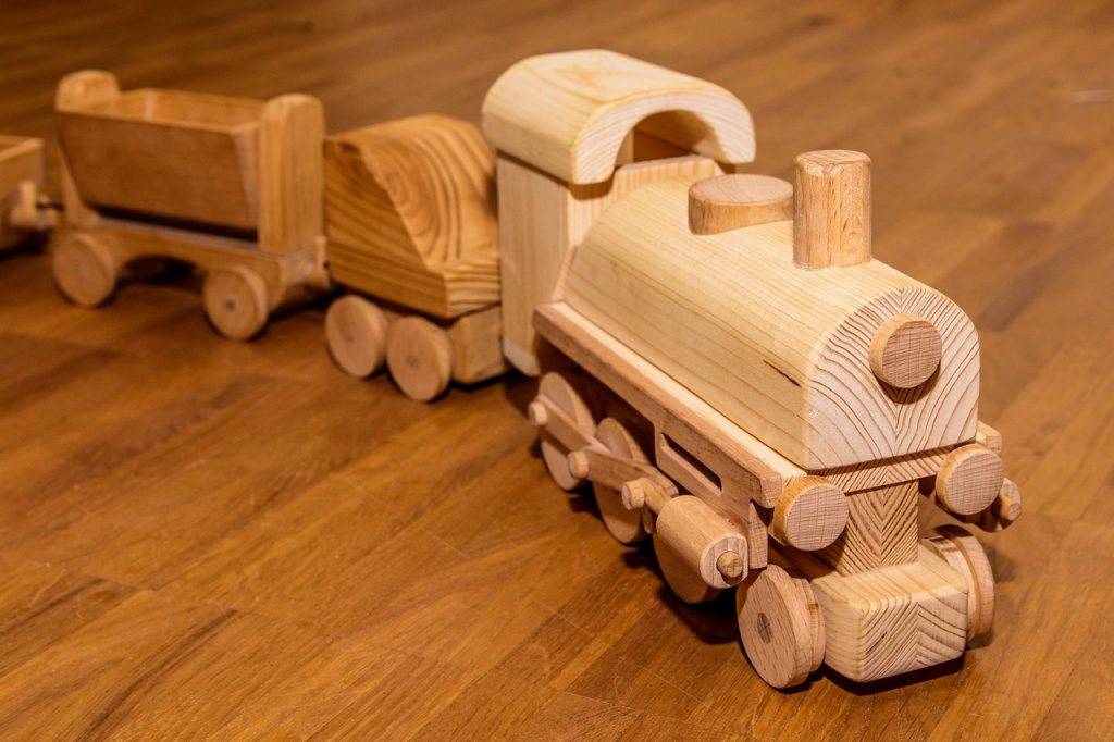 Wooden Railway Children Toys  - Chris_Kr / Pixabay
